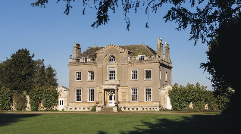 Exterior of Faringdon House in Oxfordshire