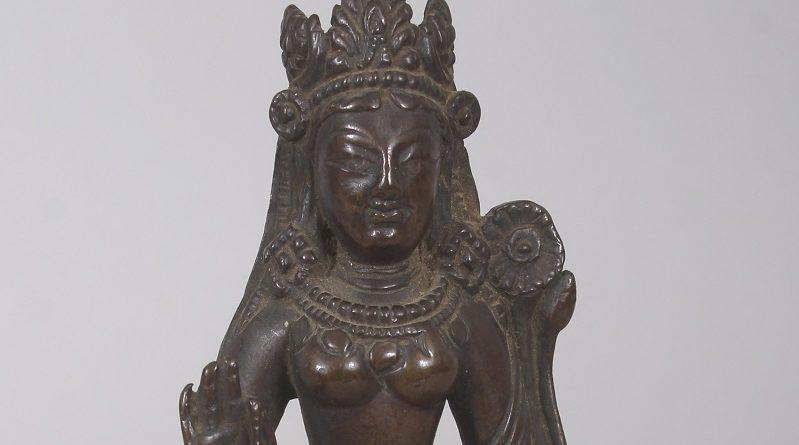 The Indian bronze antique statue