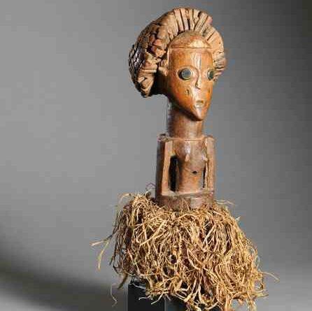 A female fetish 'Kusu' figure