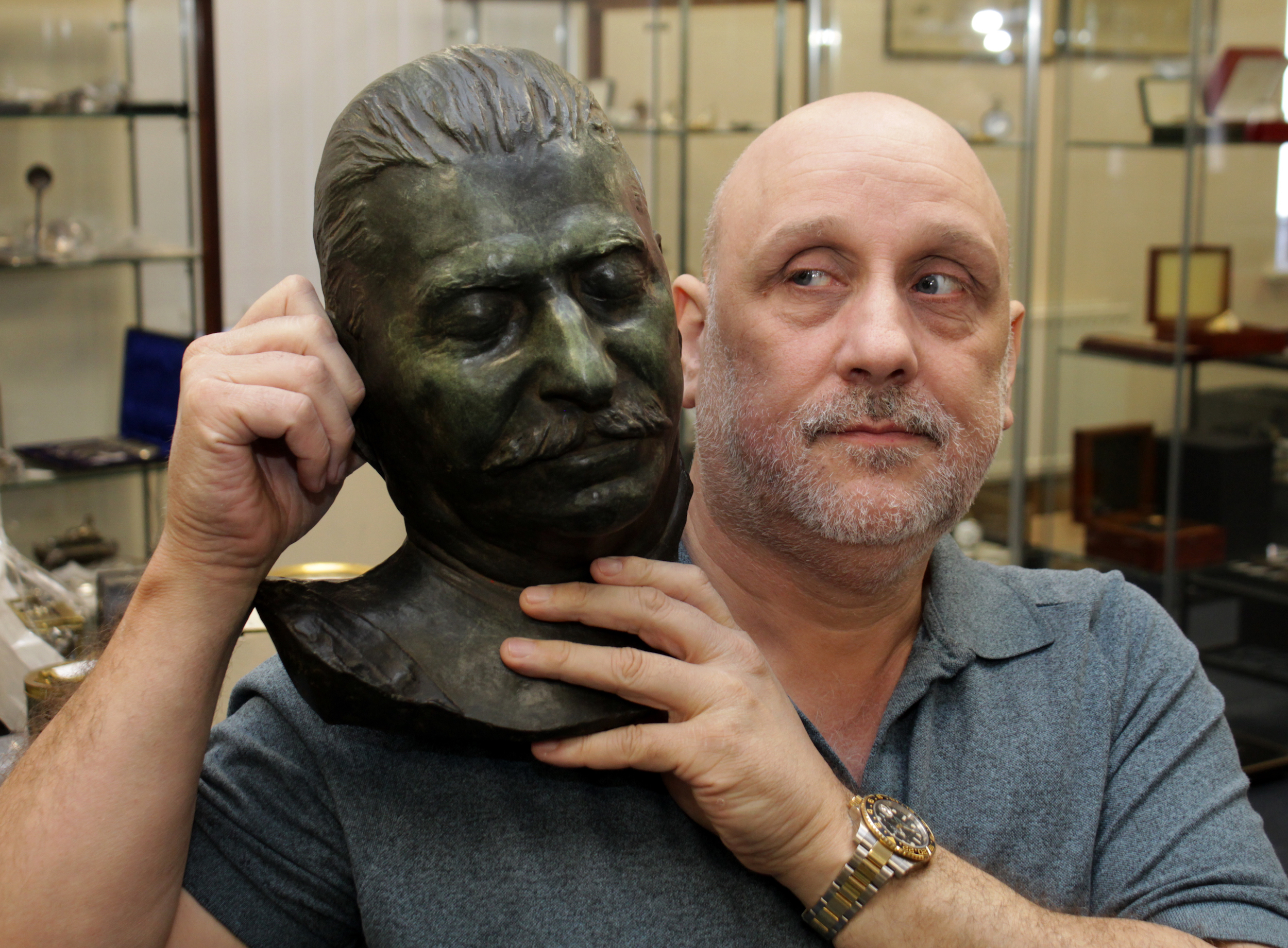 Stalin Death Mask To Make Thousands In Suffolk Antique