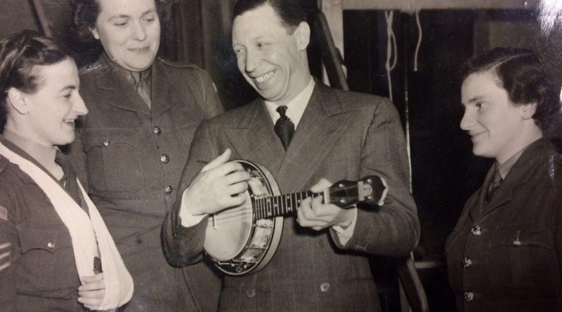 George Formby Ukulele in action