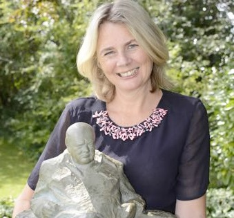 Catherine Southon with Winston Churchill maquette