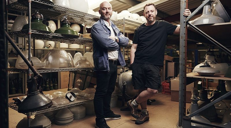 Drew Pritchard and Tee from Salvage Hunters