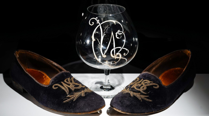 The pair of Sir Winston Churchill's slippers and brandy balloon