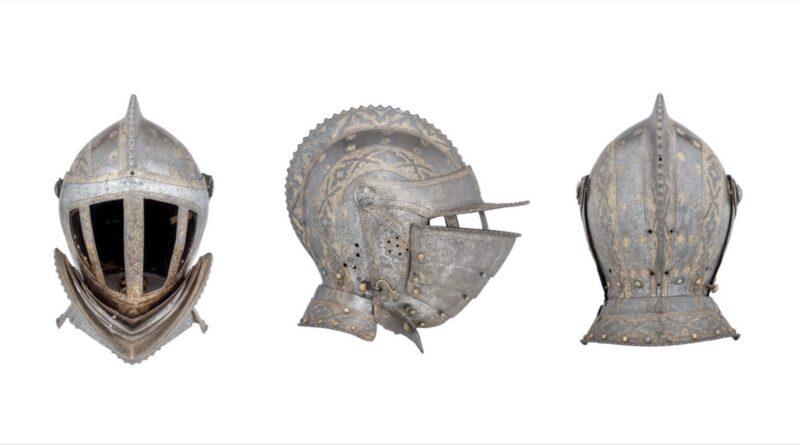 Renaissance helmet in Thomas Del Mar sale