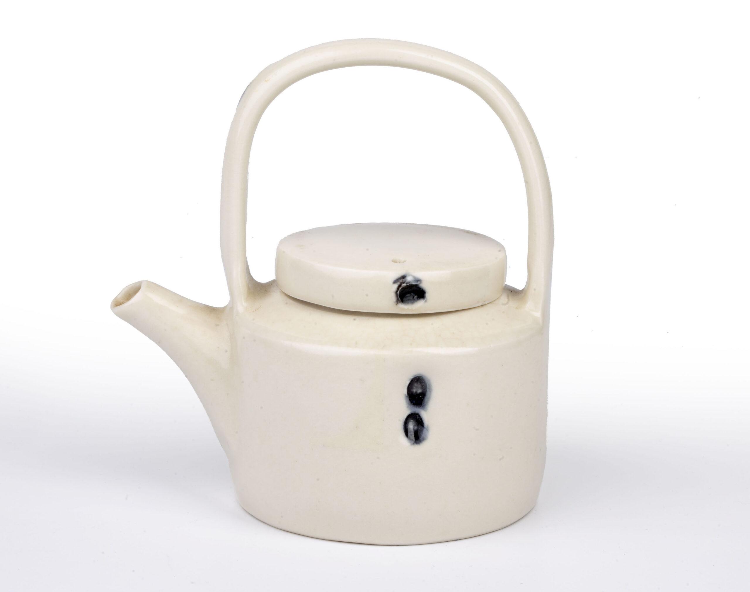 Edmund De Waal studio pottery teapot