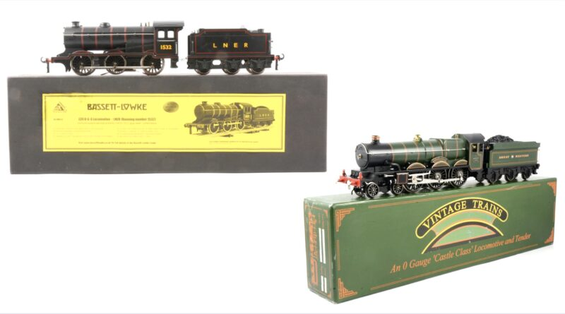 Two model trains set to sell at Gildings in Leicestershire