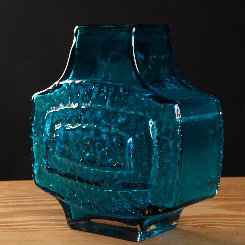 Whitefriars kingfisher blue TV vase