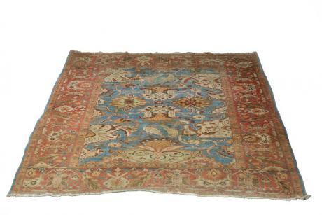 An Ushak rug