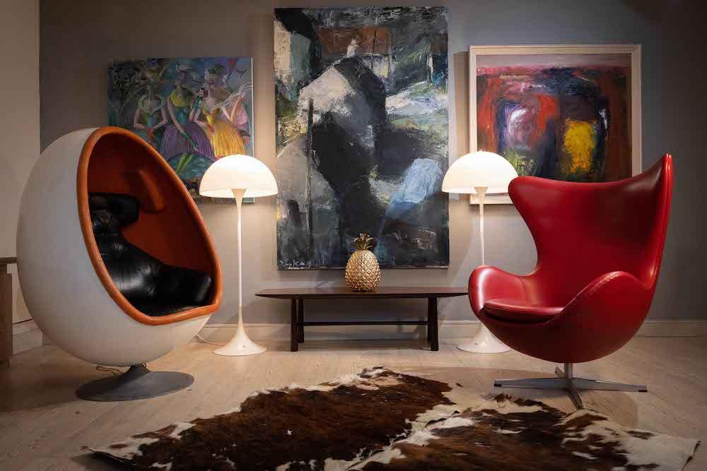 deVeres Arne Jacobsens The Egg