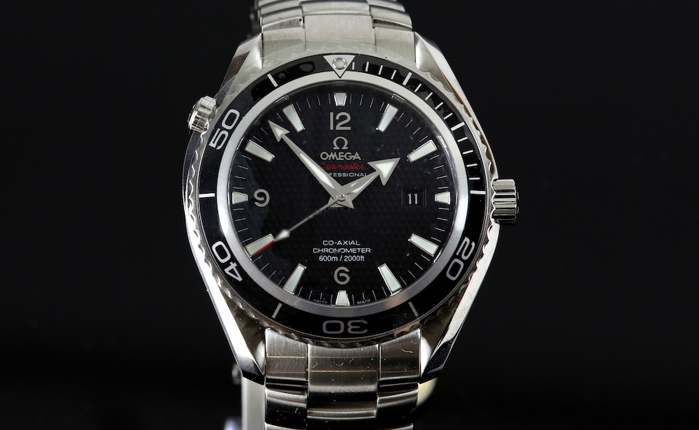 An Omega Seamaster Professional Planet Ocean 'James Bond Quantum of Solace 007' stainless steel gentleman's watch has an estimate of between £2,000 and £4,000